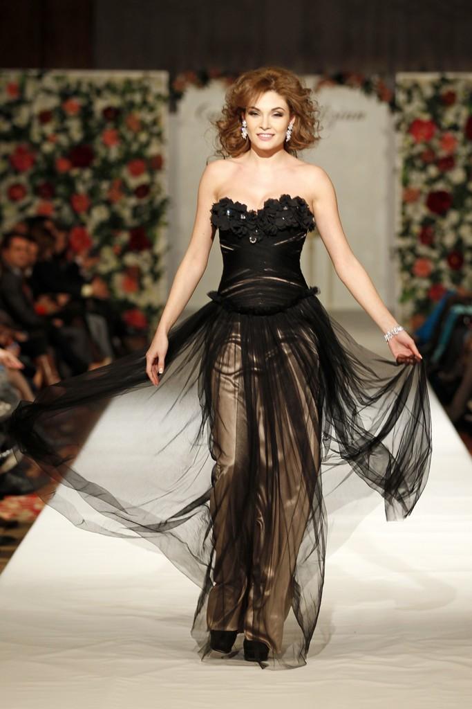 Black Tulip rochie lunga din tul si matase naturala