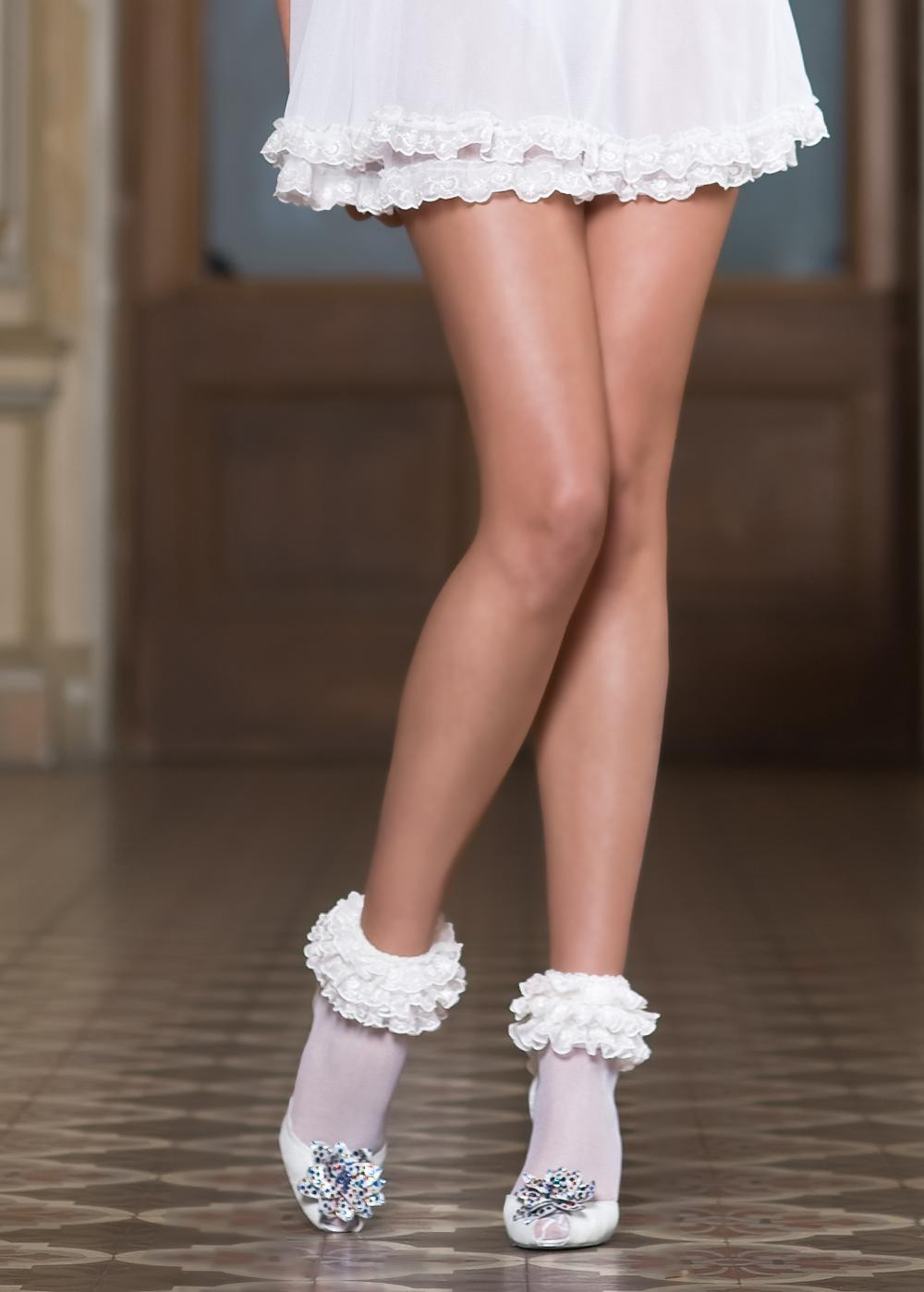 Dres ivoire scurt din dantela cu flori roz Dolly