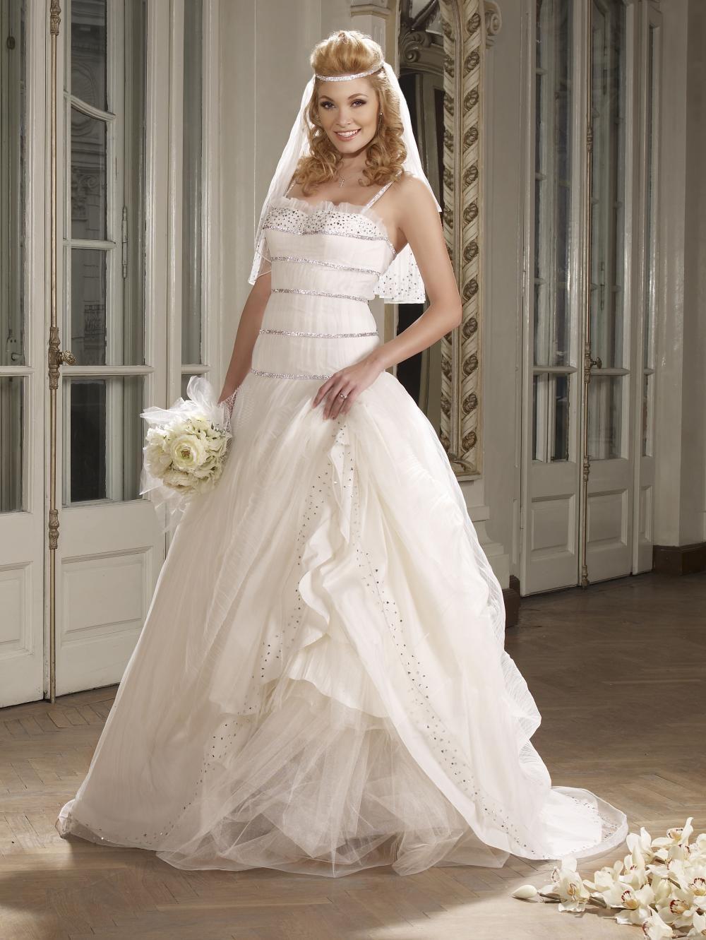 Rochie de mireasa din tul alb Printesa Desiree